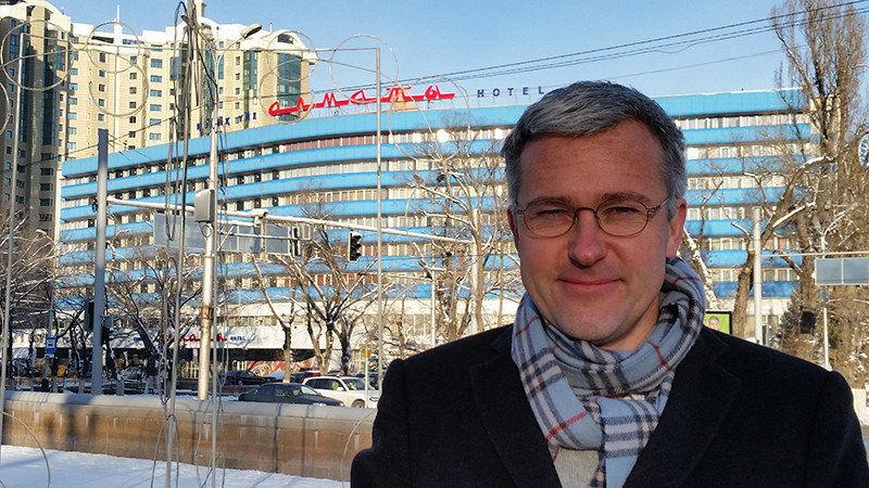 Philipp Meuser, Architekt, Verleger und Herausgeber des Architekturführers Kasachstan