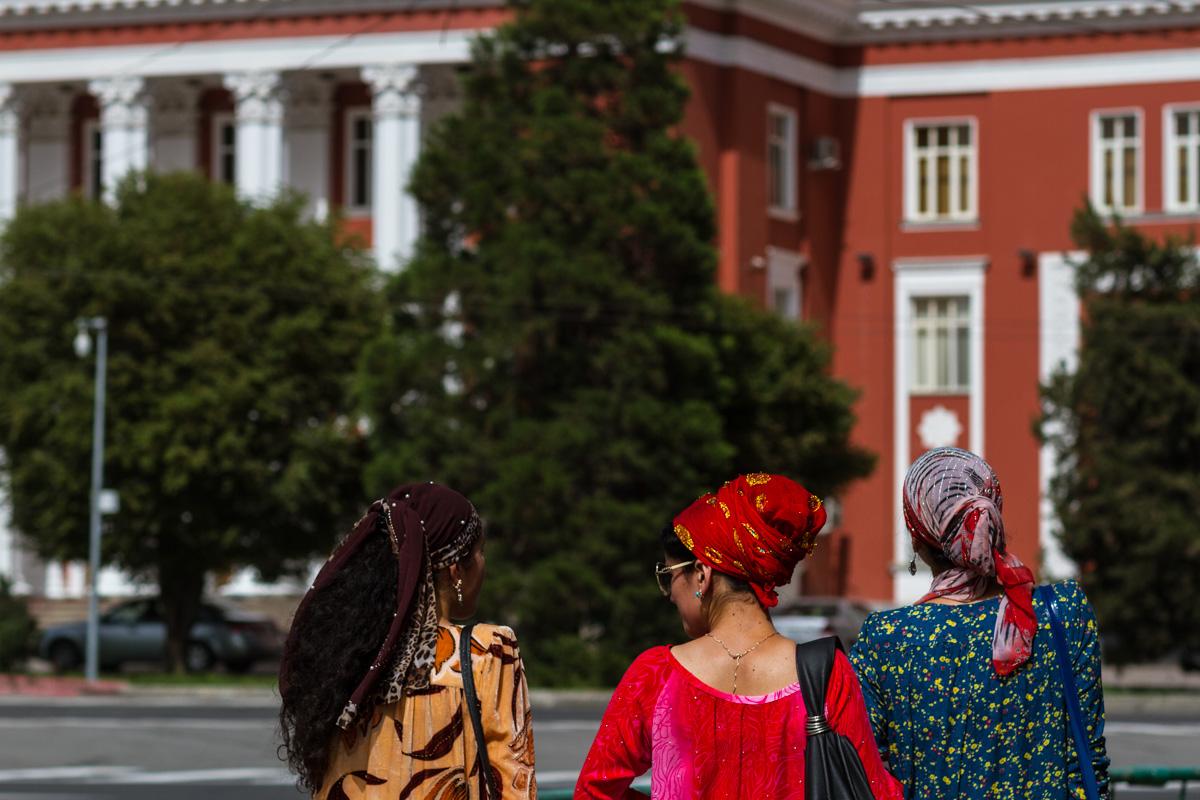 Tadschikische Frauen zwischen Tradition und Moderne