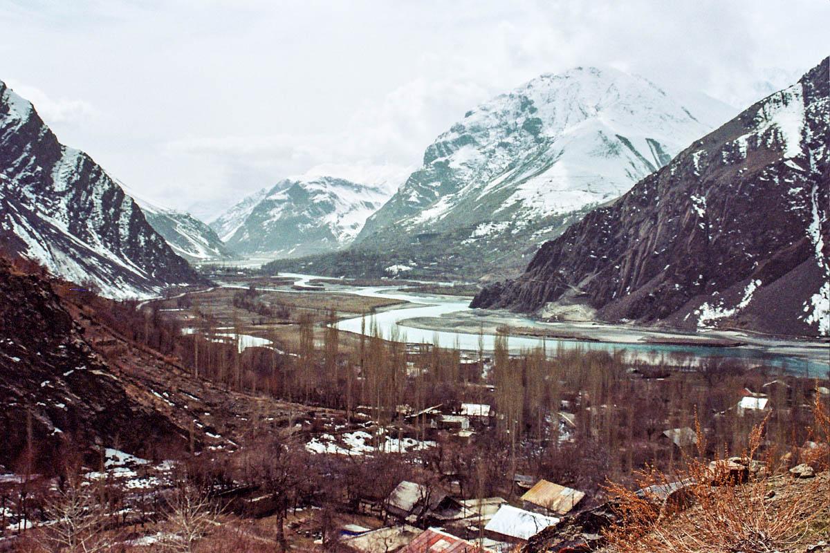 Im abgelegenen Pamir stoßen das westchinesische Xinjiang und der afghanische Wakhan-Korridor aufeinander. Das Gebiet ist für die tadschikische Regierung schwer zu kontrollieren.