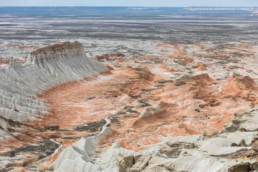 Yangi-Kala und seine beeindruckenden Sedimentablagerungen im Westen des Landes