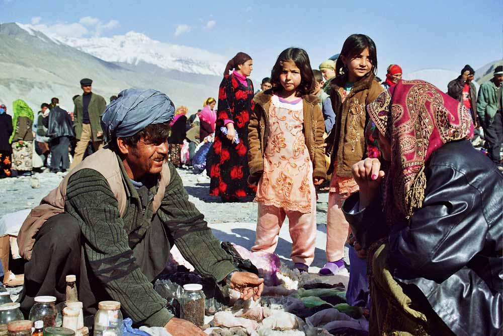 Markt an der Grenze von Afghanistan und Tadschikistan